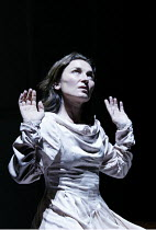 'LESSNESS' (Beckett)~Olwen FouErE~Gare St. Lazare Players   Cottesloe Theatre / National Theatre, London SE1    25/09/2002