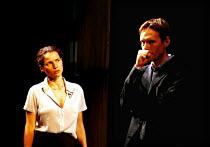 'MY ZINC BED' (Hare)~Julia Ormond (Elsa), Steven Mackintosh (Paul)~Royal Court Theatre, London SW1  14/09/2000