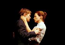 'MY ZINC BED' (Hare)~Steven Mackintosh (Paul), Julia Ormond (Elsa)~Royal Court Theatre, London SW1  14/09/2000
