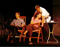 'MY ZINC BED' (Hare)~l-r: Steven Mackintosh (Paul), Julia Ormond (Elsa), Tom Wilkinson (Victor)~Royal Court Theatre, London SW1  14/09/2000