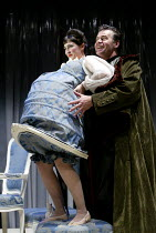 'A CHASTE MAID IN CHEAPSIDE' (Middleton)~Anna Niland (Mistress Allwit), Terence Wilton (Sir Walter Whorehound)~Almeida on Tour/Oxford Playhouse        22/03/2002