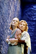 'THE GLASS MENAGERIE' (Tennessee Williams - director: Sam Mendes)~l-r: Claire Skinner (Laura Wingfield), Zo' Wanamaker (Amanda Wingfield)~Donmar Warehouse, London WC2        13/09/1995