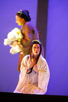 MADAMA BUTTERFLY   by Puccini   conductor: Nicola Luisotti   directors: Moshe Leiser & Patrice Caurier<br>,rear: Elena Cassian (Suzuki)   kneeling: Liping Zhang ( Cio-Cio-San) ,The Royal Opera / Coven...