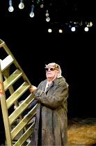 'AFORE NIGHT COME' (Rudkin)   Ewan Hooper (Roche) Young Vic Theatre, London SE1              25/09/2001