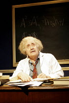 'ALBERT'S BOY' (by James Graham - director: Max Lewendel),Victor Spinetti (Albert Einstein),Finborough Theatre, London SW10       21/07/2005,