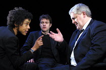 'FACE TO THE WALL' (Crimp)~l-r: Sophie Okonedo, Paul Higgins, Peter Wight~Royal Court Jerwood Theatre Downstairs/London SW1        14/03/2002