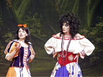 'SNOW WHITE & THE SEVEN DWARFS',Dianne Pilkington (Princess Snow White), Lily Savage (The Wicked Queen),Victoria Palace Theatre, London SW1                                  12/2004,