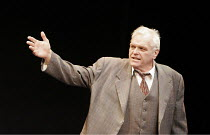 'DEATH OF A SALESMAN' (Arthur Miller - director: Robert Falls),Brian Dennehy (Willy Loman),Lyric Theatre, London W1                      16/05/2005                  ,