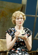 'DESIGN FOR LIVING' (Noel Coward)   (director: Peter Hall)~in Paris: Janie Dee (Gilda)~The Peter Hall Company / Theatre Royal, Bath   England                  09/07/2003
