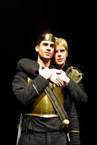 'EDWARD II' (Marlowe)~l-r: Joseph Fiennes (Edward II), Ben Porter (Spencer The Younger)~Crucible Theatre, Sheffield  13/03/2001