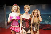 l-r: Siobhan Hewlett (Kitty), Daniela Nardini (Etta), Indra Ove (Sherri) in ETTA JENKS by Marlane Gomard Meyer at the Finborough Theatre, London SW10  04/02/2005  design: Ana Jebens  director: Che Wa...