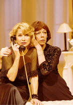 'FALLEN ANGELS' (Coward),l-r: Felicity Kendal (Julia Sterroll), Frances de la Tour (Jane Banbury),Apollo Theatre, London W1  25/10/2000,