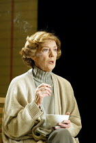 'HONOUR' (Murray-Smith)~Eileen Atkins (Honor)~Cottesloe Theatre / National Theatre, London SE1         27/02/2003