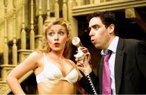 'NOISES OFF' (Frayn)~Natalie Walter (Brooke Ashton), Stephen Mangan (Garry Lejeune)~Piccadilly Theatre  London W1  14/05/2001