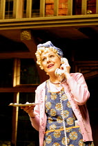 'NOISES OFF' (Frayn)~Lynn Redgrave (Dotty Otley)~Piccadilly Theatre  London W1  14/05/2001