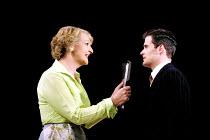'STAR QUALITY' (Coward)~Penelope Keith (Lorraine Barrie), Nick Fletcher (Bryan Snow)~Apollo Theatre, London W1                      29/10/2001