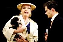'STAR QUALITY' (Coward)~Penelope Keith (Lorraine Barrie - with Jasper as 'Bothwell'), Nick Fletcher (Bryan Snow)~Apollo Theatre, London W1                      29/10/2001