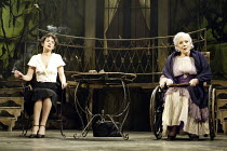 'SUDDENLY LAST SUMMER' (Tennessee Williams - director: Michael Grandage)~l-r: Victoria Hamilton (Catharine Holly), Diana Rigg (Mrs Venable)~Sheffield Lyceum / England                     17/02/2004