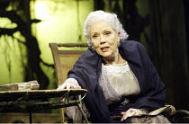 'SUDDENLY LAST SUMMER' (Tennessee Williams - director: Michael Grandage)~Diana Rigg (Mrs Venable)~Sheffield Lyceum / England                     17/02/2004