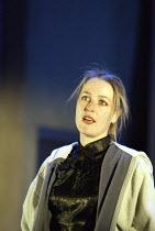 'THE SWEETEST SWING IN BASEBALL' (Rebecca Gilman - director: Ian Rickson)~Gillian Anderson (Dana)~Jerwood Theatre Downstairs / Royal Court Theatre, London SW1   31/03/2004
