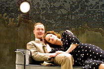 'TALES FROM HOLLYWOOD' (Hampton)~Ben Daniels (Odon von Horvath), Emma Cunnliffe (Helen Schwartz)~Donmar Warehouse, London WC2  01/05/2001