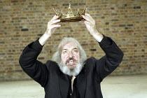 'TAMAR'S REVENGE' (Tirso de Molina / translation: James Fenton - director: Simon Usher)  John Stahl (King David) Royal Shakespeare Company / Swan Theatre, Stratford-upon-Avon, England             15...
