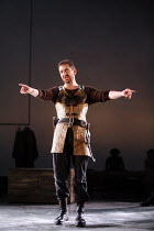 TAMBURLAINE   by Christopher Marlowe   director: David Farr,Greg Hicks (Tamburlaine),Bristol Old Vic / Young Vic / BITE:05 ^Young Genius^ co-production / Barbican Theatre, London EC2   09/11/2005,