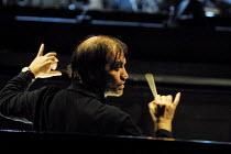 Valery Gergiev (Artistic & General Director of the Marinsky Theatre)~conducting rehearsal of 'MACBETH' (Verdi)~Kirov Opera/The Royal Opera, London WC2  11/07/2001 ~(c) Donald Cooper/Photostage   photo...