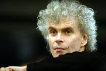 'SOPHIE'S CHOICE' (Maw/Styron)~Simon Rattle - conductor~The Royal Opera / Covent Garden, London WC2  07/12/2002 ~(c) Donald Cooper/Photostage   photos@photostage.co.uk   ref/0001