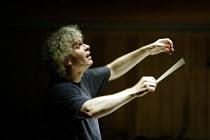 'IDOMENEO' (Mozart)~Simon Rattle - conductor~Glyndebourne Festival Opera  10/06/2003~(c) Donald Cooper/Photostage   photos@photostage.co.uk   ref/9296