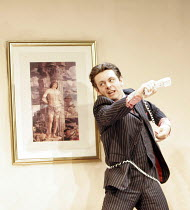 'THE UN INSPECTOR' (freely adapted from Gogol by David Farr - director: David Farr),Michael Sheen (Martin Gammon),Olivier Theatre / National Theatre, London SE1            16/06/2005,