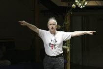 'THE MARRYING OF ANN LEETE' (Granville Barker - director: Sam Walters)~Sam Walters - director/Artistic Director of the Orange Tree~Orange Tree Theatre, Richmond, Surrey, England         03/09/2004