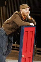 'THE COMEDY OF ERRORS' (Shakespeare - director: Barrie Rutter),Conrad Nelson (Dromio of Syracuse),Northern Broadsides, Halifax / England                          23/02/2005,