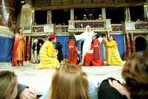 THE COMEDY OF ERRORS   by Shakespeare   design: Liz Cooke   Master of Verse: Tim Carroll  director: Kathryn Hunter <br>~~Shakespeare's Globe, London SE1              06/1999