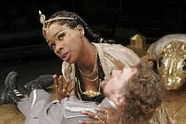 'ANTONY AND CLEOPATRA' (Shakespeare - director: Braham Murray), Josette Bushell-Mingo (Cleopatra), Tom Mannion (Antony),Royal Exchange Theatre, Manchester    28/02/2005,