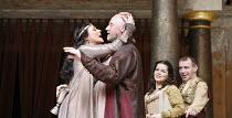 ANTONY AND CLEOPATRA   by Shakespeare   director/^Master of Play^: Dominic Dromgoole,I/i - l-r: Frances Barber (Cleopatra), Nicholas Jones (Mark Antony), Frances Thorburn (Charmian), Paul Lloyd (Mardi...