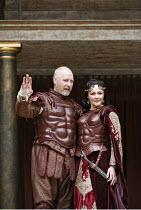 ANTONY AND CLEOPATRA   by Shakespeare   director/^Master of Play^: Dominic Dromgoole,IV/iv: Nicholas Jones (Mark Antony), Frances Barber (Cleopatra),Shakespeare's Globe, Bankside, London SE1    05/07/...