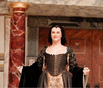 Mark Rylance (Cleopatra) in ANTONY AND CLEOPATRA by Shakespeare at Shakespeare's Globe, Bankside, London SE1  29/07/1999~Master of Clothing & Properties: Jenny Tiramani  Master of Music: Claire van Ka...