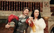 Paul Shelley (Mark Antony), Mark Rylance (Cleopatra) in ANTONY AND CLEOPATRA by Shakespeare at Shakespeare's Globe, Bankside, London SE1  29/07/1999~Master of Clothing & Properties: Jenny Tiramani  Ma...