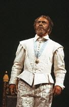 OTHELLO   by Shakespeare   design: Pamela Howard   lighting: Brian Harris   director: Ronald Eyre  Donald Sinden (Othello) Royal Shakespeare Company (RSC), Royal Shakespeare Theatre, Stratford-upon-...