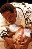 'OTHELLO' (Shakespeare - director: Trevor Nunn),Willard White (Othello), Imogen Stubbs (Desdemona),Royal Shakespeare Company / The Other Place   Stratford-upon-Avon  1989,
