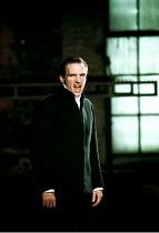 'CORIOLANUS' (Shakespeare)~Ralph Fiennes (Coriolanus)~Almeida Theatre/Gainsborough Studios, London N1  14/06/2000