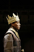 HENRY VI part 3   by Shakespeare   director: Michael Boyd,III/ii: Chuk Iwuji (Henry VI),part of RSC ^The Complete Works^ Festival - April 2006-March 2007,Courtyard Theatre, Stratford-upon-Avon, Englan...