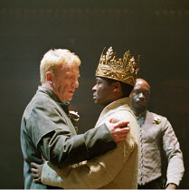 'HENRY VI part iii' (Shakespeare)~l-r: Clive Wood (Richard Plantagenet), David Oyelowo (King Henry VI), ~Geff Francis (Earl of Warwick)~RSC/Swan Theatre, Stratford-upon-Avon  13/12/2000