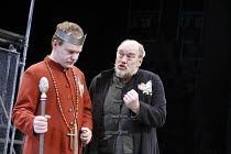 WARS OF THE ROSES - HENRY VI   by Shakespeare   adapted and directed by Barrie Rutter,l-r: Andrew Whitehead (Henry), Dicken Ashworth (Gloucester),Northern Broadsides / West Yorkshire Playhouse co-prod...