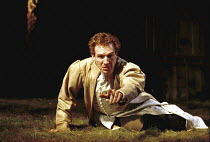 'RICHARD II' (Shakespeare),Ralph Fiennes (King Richard II),Almeida Theatre Company/Gainsborough Studios, London N1  12/04/2000,