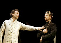 'RICHARD II' (Shakespeare),l-r: Ralph Fiennes (King Richard II), Linus Roache (Henry Bolingbroke),Almeida Theatre Company/Gainsborough Studios, London N1  11/04/2000,