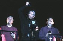 RICHARD III  by Shakespeare  design: Bob Crowley  lighting: Jean Kalman  choreography: Jane Gibson  director: Richard Eyre ~~centre: Ian McKellen (Richard) ~Lyttelton Theatre, National Theatre (NT), L...