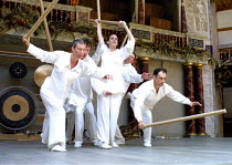 CYMBELINE  by Shakespeare  design: Jenny Tiramani  director: Mike Alfreds <br>~front left: Jane Arnfield   right: Mark Rylance~Shakespeare's Globe, London SE1  10/07/2001 ~(c) Donald Cooper/Photostage...