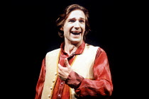 'LOVE'S LABOUR'S LOST' (Shakespeare)~Ralph Fiennes (Berowne)~RSC / Royal Shakespeare Theatre, Stratford-upon-Avon                      1990